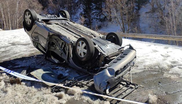 El vehicle accidentat a la CG-2, ahir al matí.