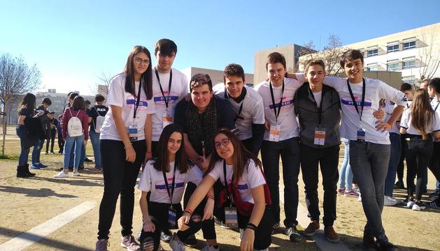 Els alumnes del Sant Ermengol després de la competició.