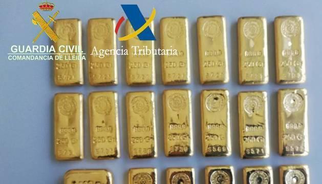 Els 20 lingots d'or comissats a la Duana de la Farga de Moles el passat