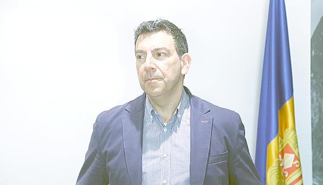 Miquel Canturri al despatx del comú.