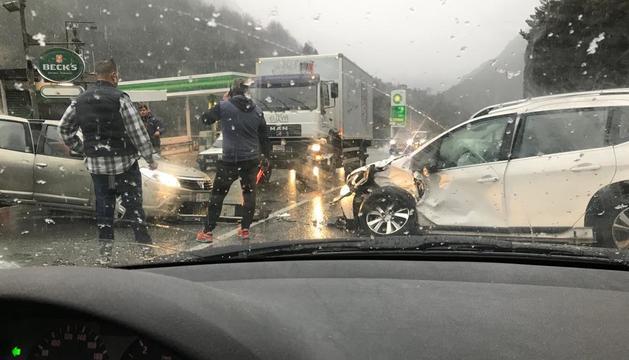 El xoc frontal entre els dos vehicles