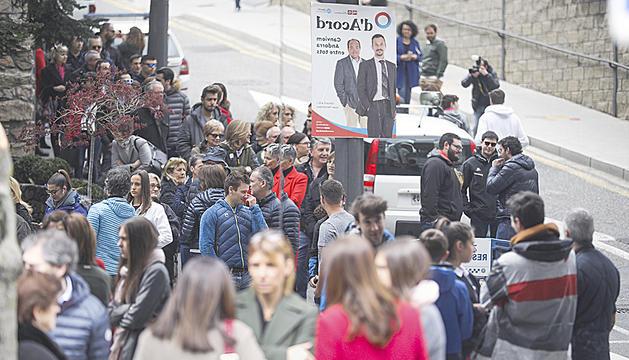 Cues al col·legi electoral de Sant Julià de Lòria a les eleccions generals de diumenge passat.