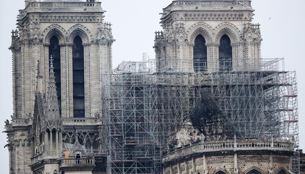 Imatges de la catedral parisenca aquest matí