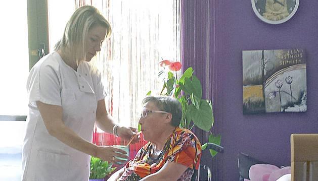 Assistència d'una pacient amb esclerosi múltiple