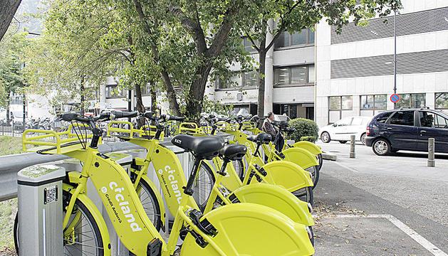 Una de les estacions de Cicland, el servei de lloguer de bicis elèctriques.