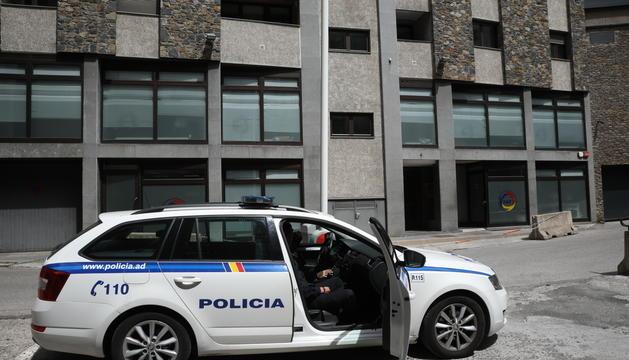 La policia continua controlant la seu de la Federació perquè no hi accedeixi ningú