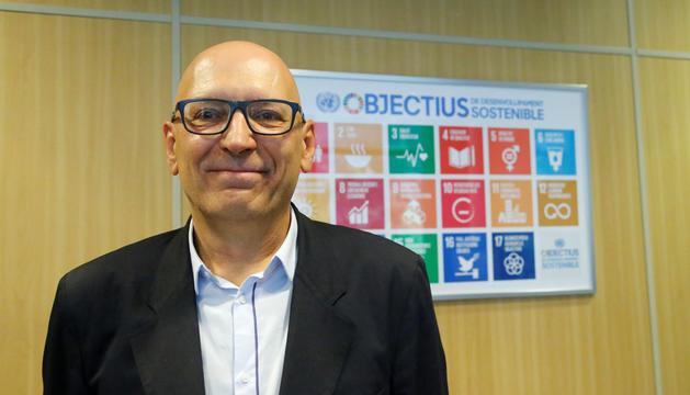 El rector de la Universtitat d'Andorra, Miquel Nicolau, al seu despatx.