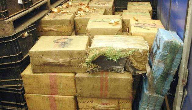 La droga comissada era transportada a la part posterior d'un camió.