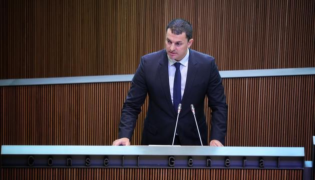 Jordi Gallardo durant la intervenció al debat d'investidura