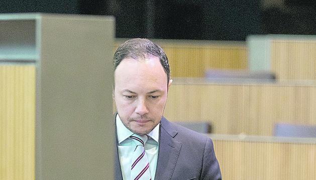 Xavier Espot durant la sessió d'investidura.