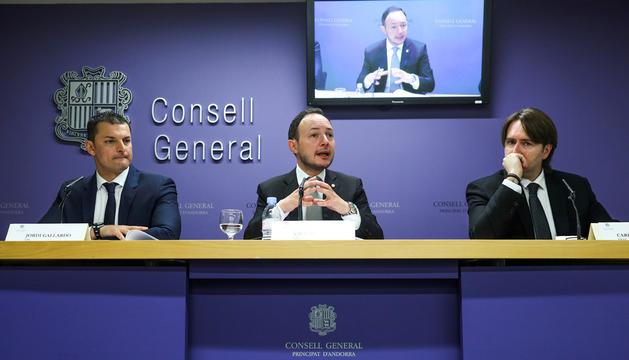 Jordi Gallardo, Xavier Espot i Carles Naudi, ahir en una roda de premsa conjunta.