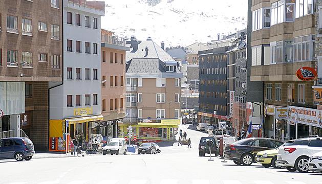 Un carrer comercial del Pas de la Casa.