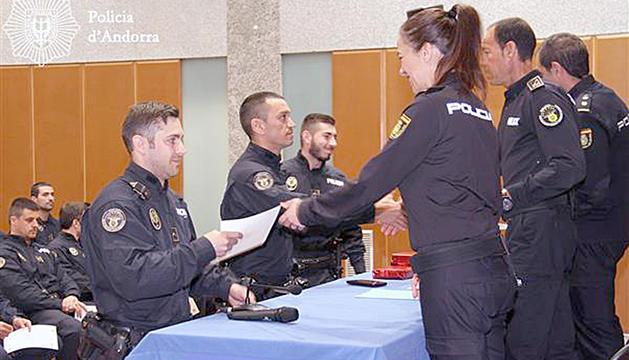 Entrega de diplomes per formació sobre seguretat