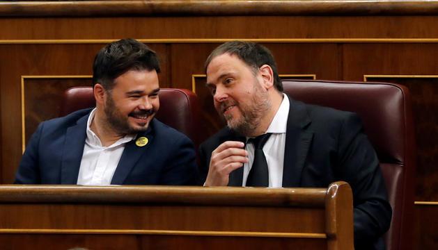 Oriol Junqueras conversant amb Gabriel Rufián, ahir al Congrés.
