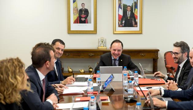 El consell de ministres del Govern tripartit es va reunir ahir per primer cop.