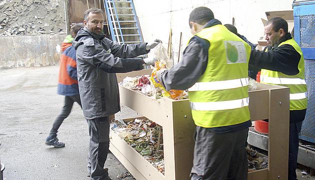 Cada vegada hi ha més peticions d'empreses que volen gestionar la tria de residus.