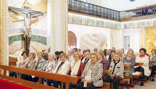 L'església es va omplir per la cerimònia