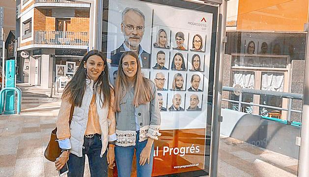 Laia Moliné (esquerra) i Judith Vila (dreta) en la passada campanya electoral.