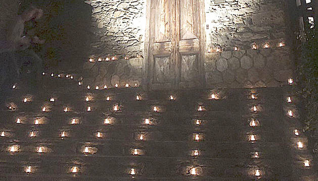 13.000 espelmes van donar la benvinguda a l'estiu