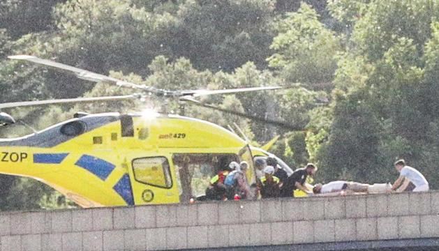 Moment en què l'helicòpter va arribar a l'hospital.