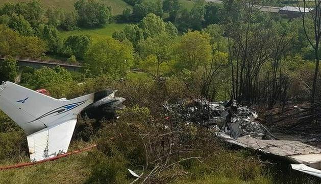 Estat en què va quedar l'avió accidentat.