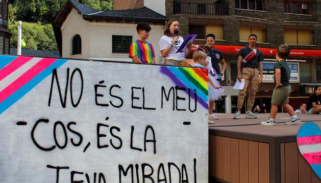 El Pride Andorra es va celebrar ahir a la plaça Coprínceps d'Escaldes-Engordany.