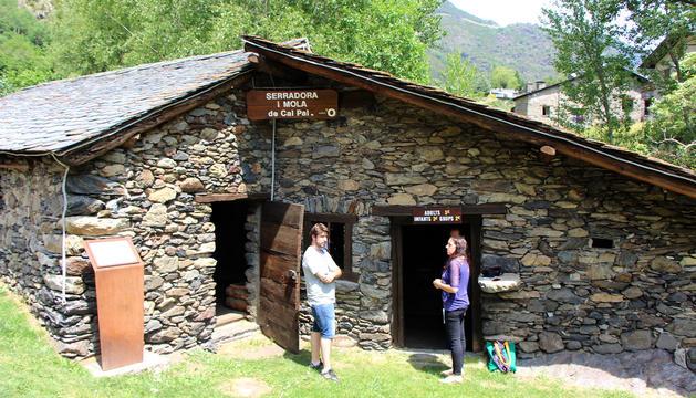 L'entrada de la mola i serradora de Cal Pal.