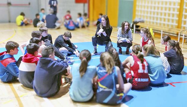 Taller de l'escola de valors per prevenir l'abús sexual infantil al món de l'esport.