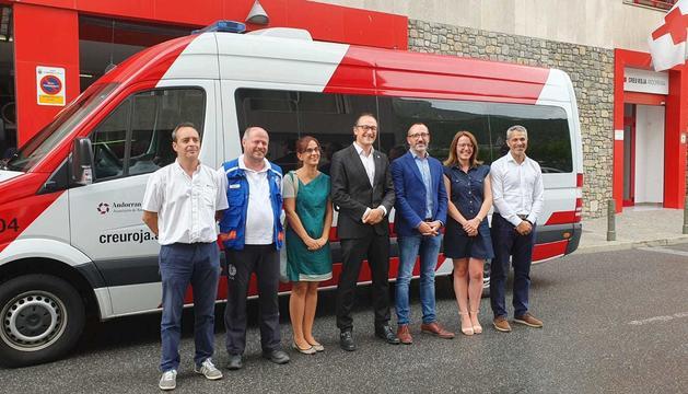Presentació dels nous vehicles de Creu Roja per al transport sociosanitari