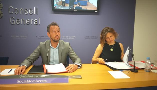 El president del GPS, Pere López, i la vicepresidenta, Rosa Gili, a la roda de premsa d'aquesta tarda