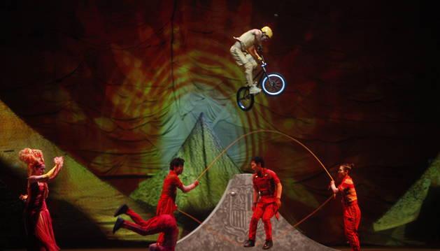 'SCALADA'. El primer dels espectacles del Cirque du Soleil va donar el nom a la saga Scalada, que es va allargar durant quatre anys més.
