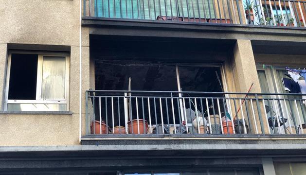 El menjador del pis on es va originar el foc ha quedat molt danyat