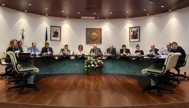 Una sessió del consell del comú d'Encamp anterior.