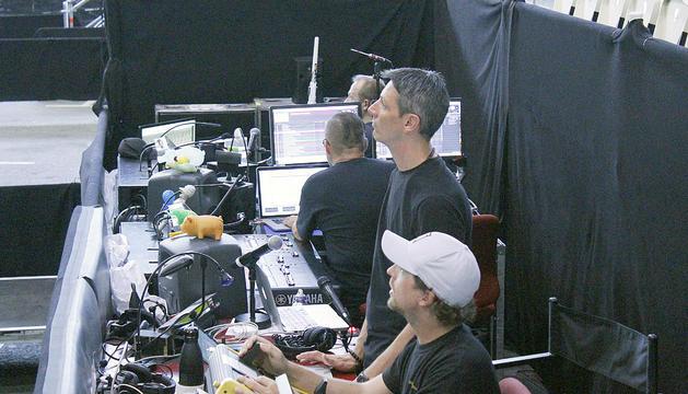 Jorge Tapia, regidor de 'Rebel' durant un assaig