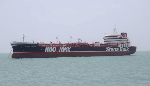 El petrolier britànic porta una tripulació de 23 persones.