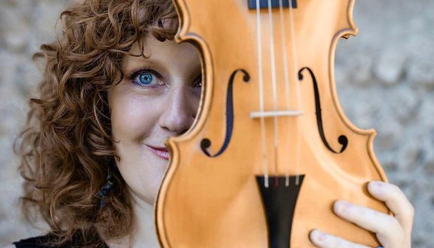 La violinista i directora artística de la formació.