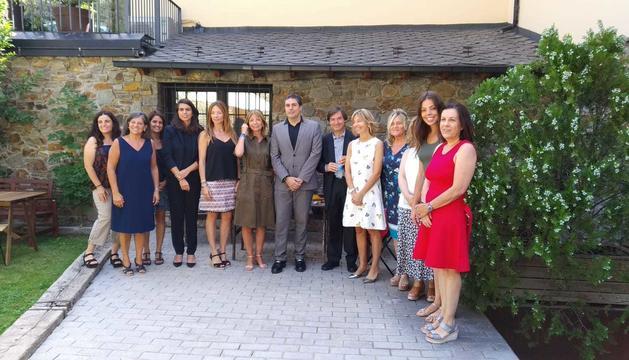 Els dotze representants del consell assessor del Llibre Blanc del Tea