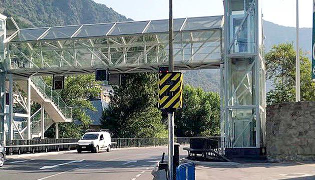 El nou radar està a tocar de la passarel·la per a vianants.