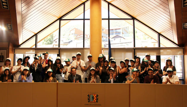 Autoritats reben els 31 estudiants del campus del Català