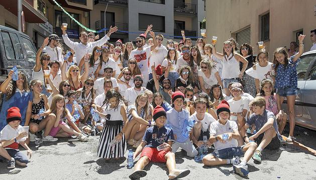 Els joves ho van donar tot en la tradicional Passa pels carrers de la parròquia.