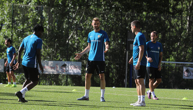 Un moment de la primera sessió d'entrenament de l'FC Andorra.