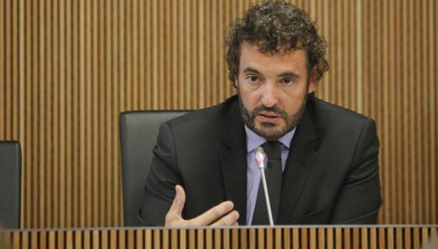Francesc Robert, en una compareixença anys enrere al Consell General.