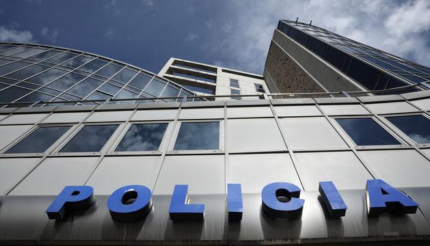 La façana de l'edifici de la Policia.