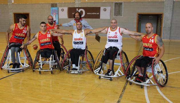 Els jugadors de la selecció espanyola de bàsquet en cadira de rodes, a Ordino.