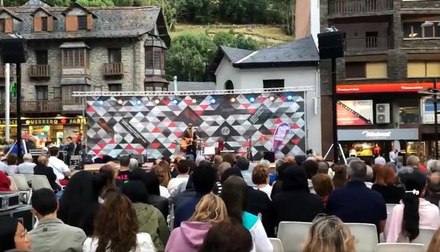 La plaça Coprínceps es va omplir amb el concert.