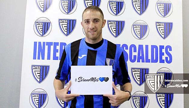 Toni Lao va ser presentat com a nou jugador de l'Inter.