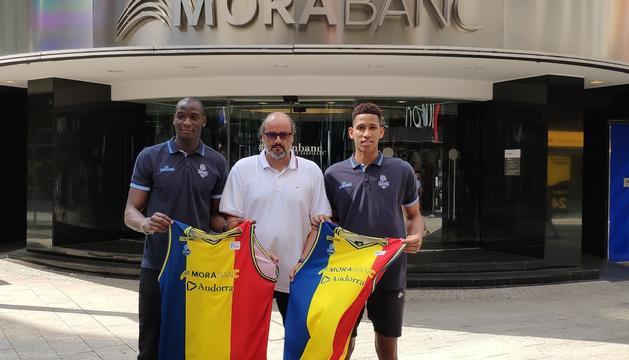 Sy, Solana i Pérez, en la presentació d'aquest matí a la seu central de MoraBanc.