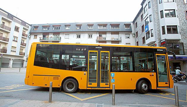 Els autobusos tindran el mateix color encara que siguin d'operadors diferents.