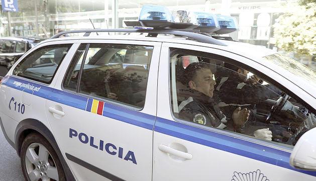 Tomàs Gea dins del cotxe policial que el va portar a declarar.