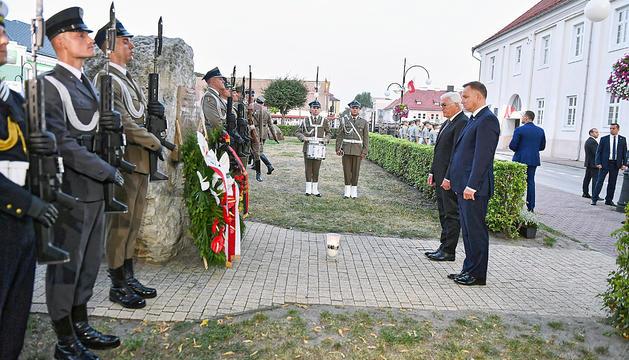 Steinmeier i Dubte durant la cerimònia.